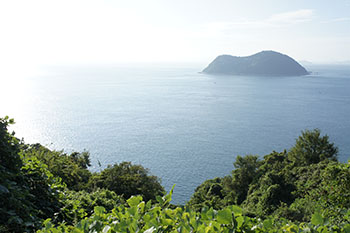 Climb Kofuji mountain and hike Gogoshima (Gogoshima Island)